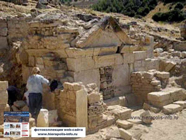 Photo Excavations of Tomb of the Apostle St.Philip in Hierapolis